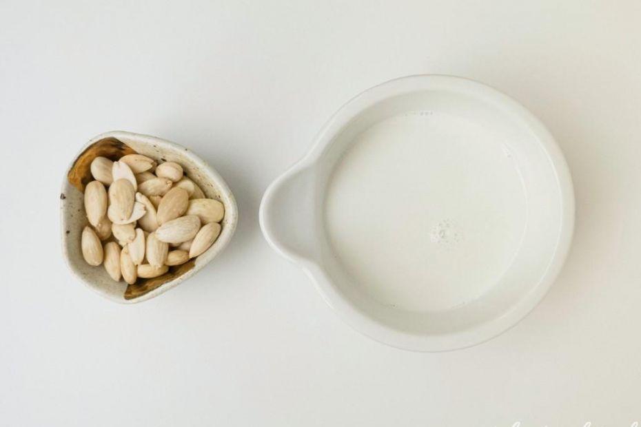 Roślinne mleko z migdałów (keto, LCHF, vegan)
