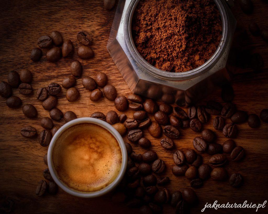 Płukanka z kawy do włosów DIY-na blask, wzrost i kolor